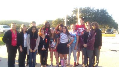 Sonia_Ledger_Cypress_Creek_with_volunteers